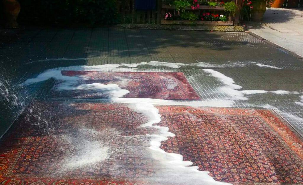 Lavaggio tappeti ad acqua